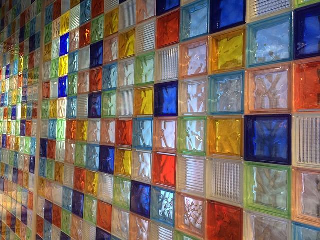 glass-655323_640