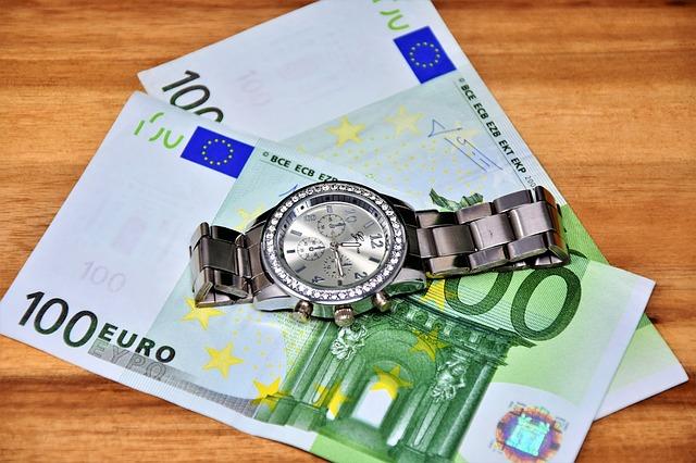 Vzbudzujú peniaze lásku?