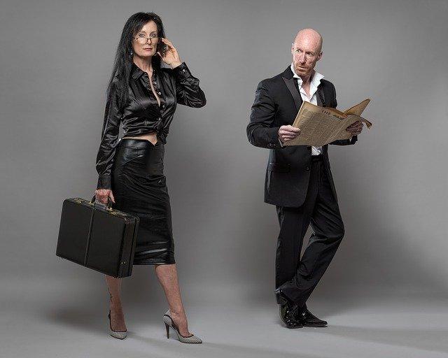 Muž a žena, obchodníci, kolegovia.jpg