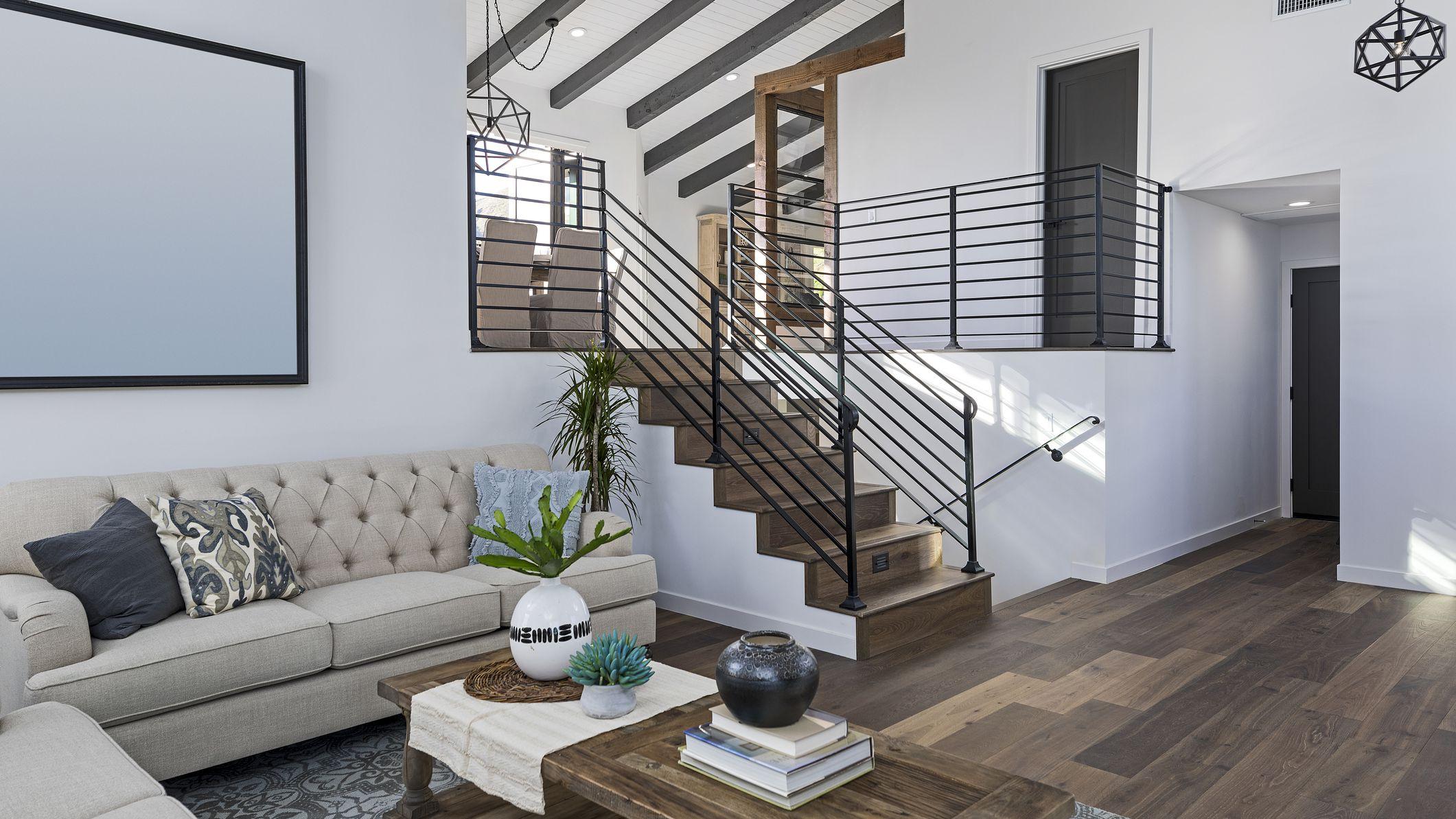 modern-living-room-1036309800-2eacf87caa1d4201b024d30a806d02b5